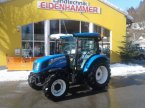 Traktor des Typs New Holland T4.55S in Burgkirchen