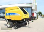 Rundballenpresse des Typs New Holland BR 7070 in Aurolzmünster