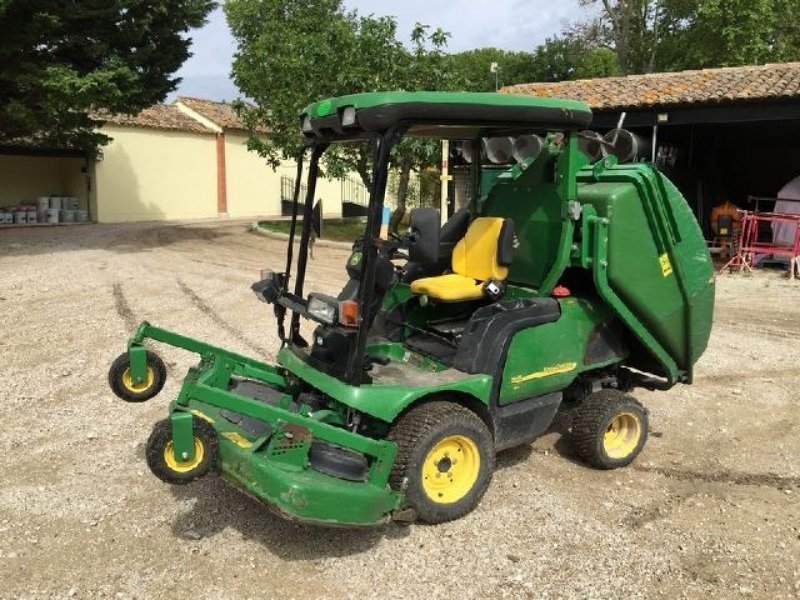 john deere 1445 aufsitzm her 84200 carpentras. Black Bedroom Furniture Sets. Home Design Ideas