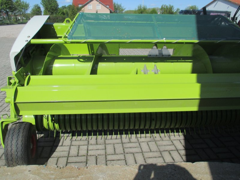 Pick-up des Typs CLAAS PU 300 HD, Neumaschine in Kindelbrück (Bild 1)